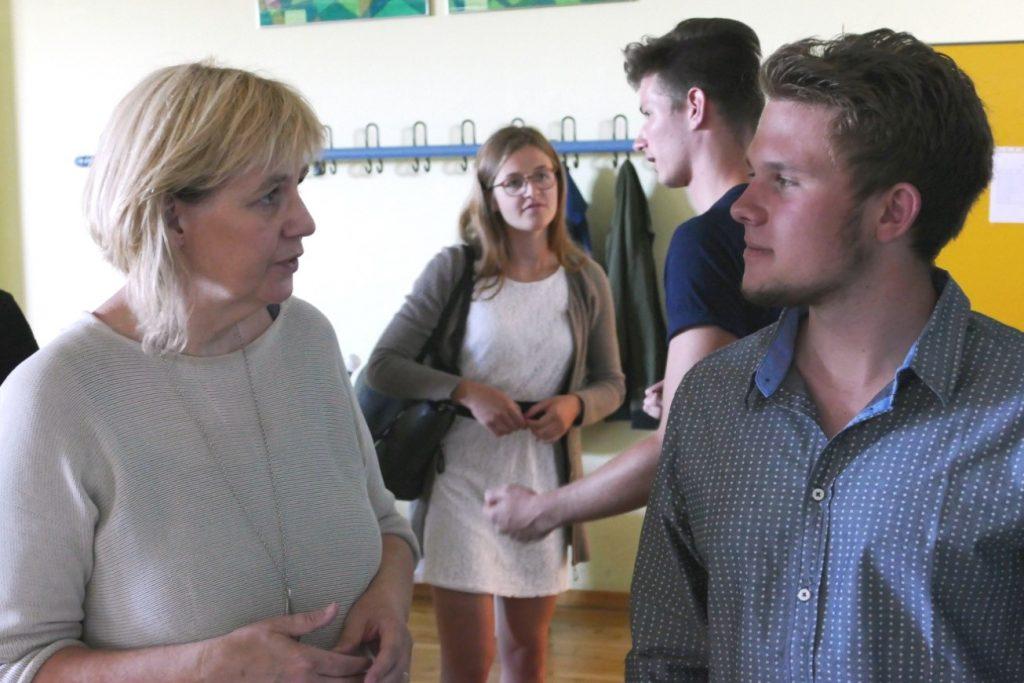 Die AIFS-Vertreter, Frau Juliane Krüger-Oechsle und Alexander Korth, beantworteten gern die Fragen der Teilnehmer.